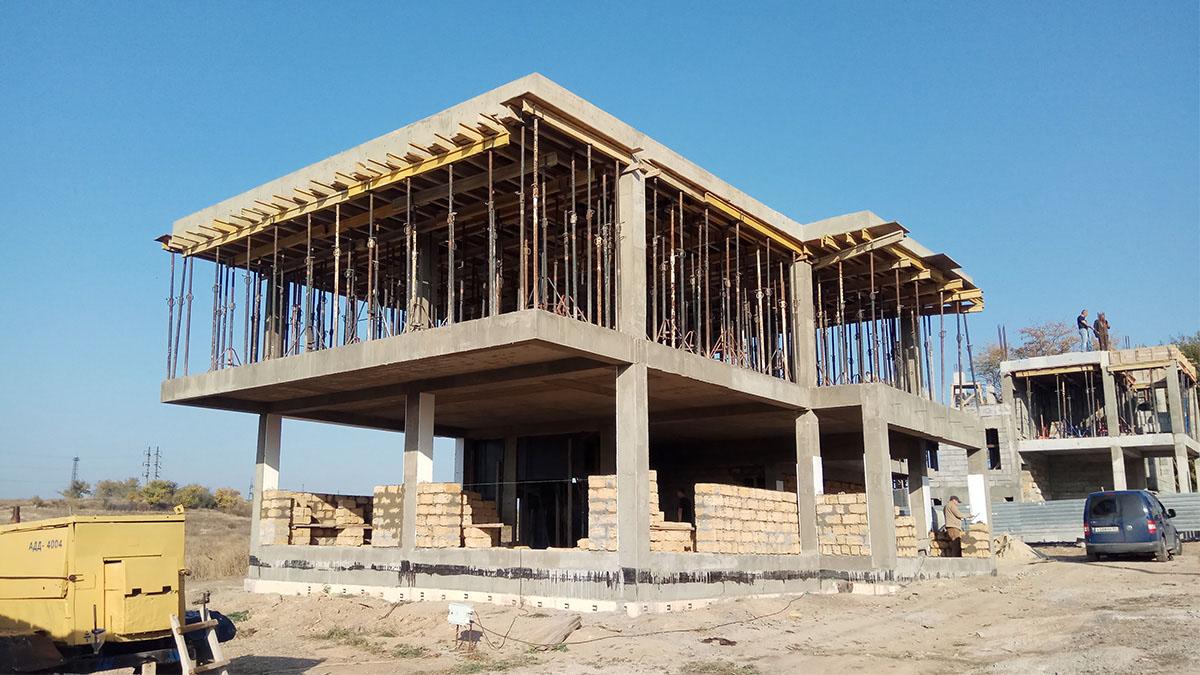 Строительство современного дома с плоской кровлей